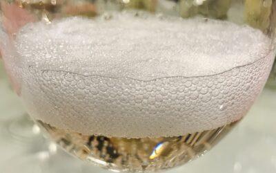 Alkoholittomat kuohuviinit viiniblogin testissä